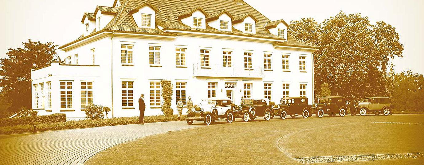 Oldtimer im Gutshaus-Park, Mecklenburgische Schweiz