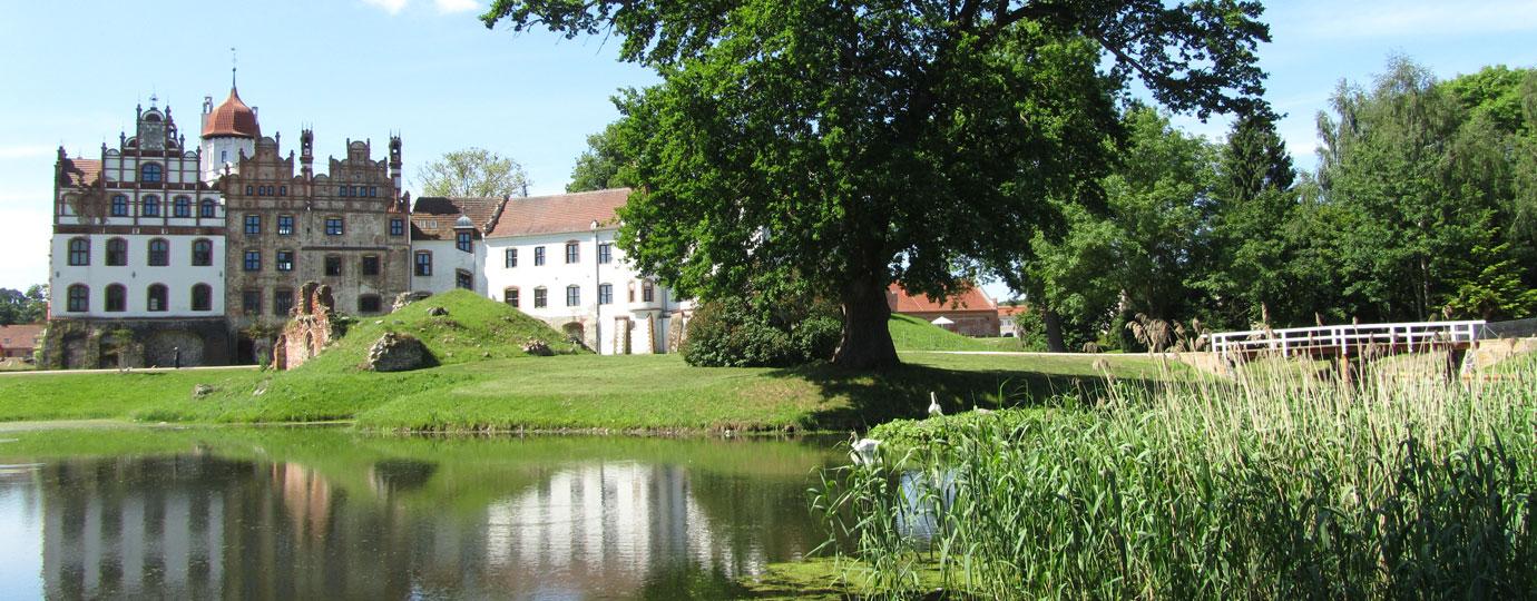 Schlosspark Basedow, Mecklenburgische Schweiz