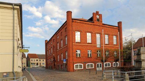 rathaus_altentreptow