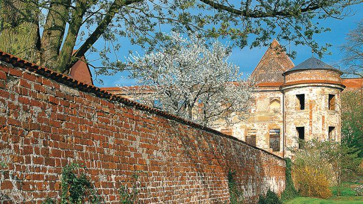 """Kleine Klosterroute """"Fromme Trendsetter"""" - Dargun, Mecklenburgische Schweiz"""