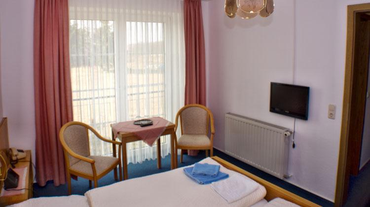 hotel pension moll und gastst tte bei molli mecklenburgische schweiz. Black Bedroom Furniture Sets. Home Design Ideas