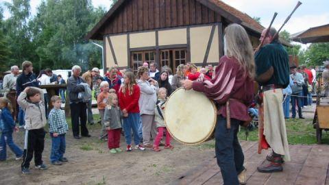 Mittelalterliche Klänge auf dem Demminer Hanseviertel