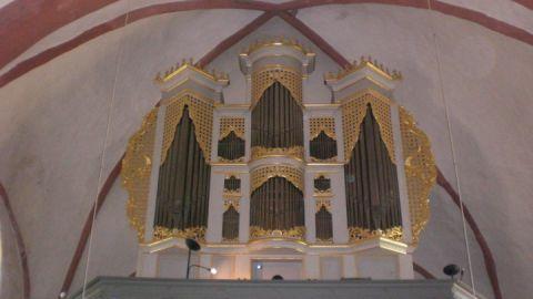 orgel-in-der-kirche-zettemin_foto_thomas-robatzek
