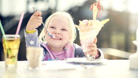 Lecker Eis essen