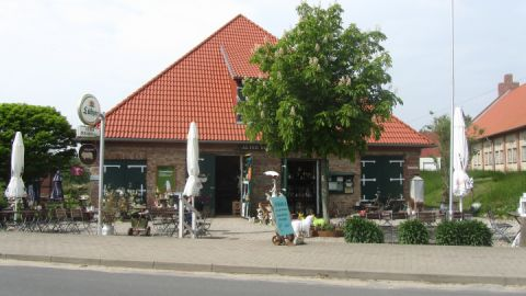 Außenansicht Alter Schafstall in Basedow - Cafe mit kleiner Ausstellung
