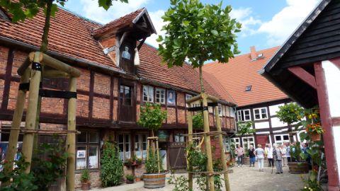 fuehrungen-auf-dem-historischen-kaufmannshof-foto-karin-heymann