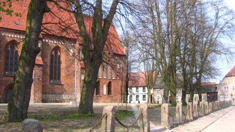 gnoien_kirchplatz