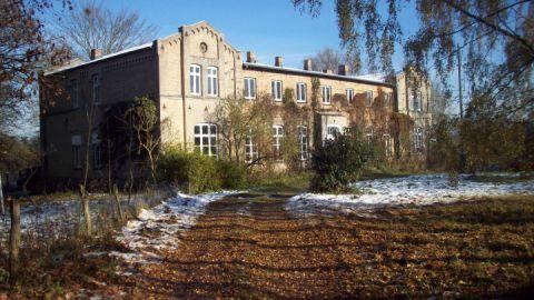gutshaus-diedrichshof-frontansicht