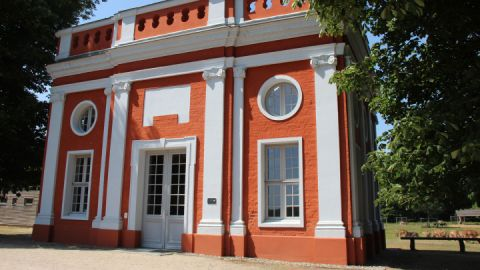 Ivenack - rotweißer Pavillon