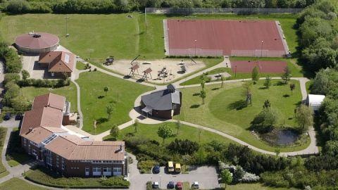 Jugendhaus MV Haus Luftaufnahme 01 2013-07-10