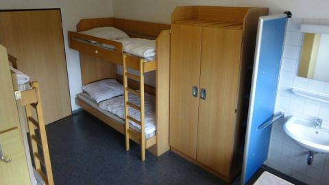 Jugendhaus MV Haus Vier-Bett-Zimmer 01 2013-11-15 kl