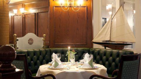 Blick ins Restaurant mit regionaler, saisonaler Küche