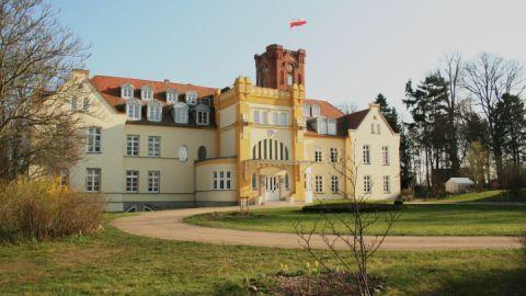 schloss-lelkendorf-dorfansicht_3
