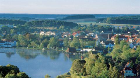 Blick vom Aussichtsturm Jörnberg auf Krakow am See, Mecklenburgische Seenplatte