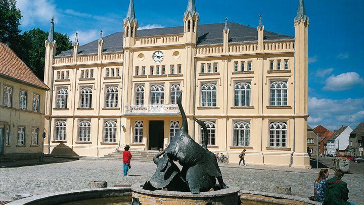 Bützow, Mecklenburgische Schweiz - Rathaus